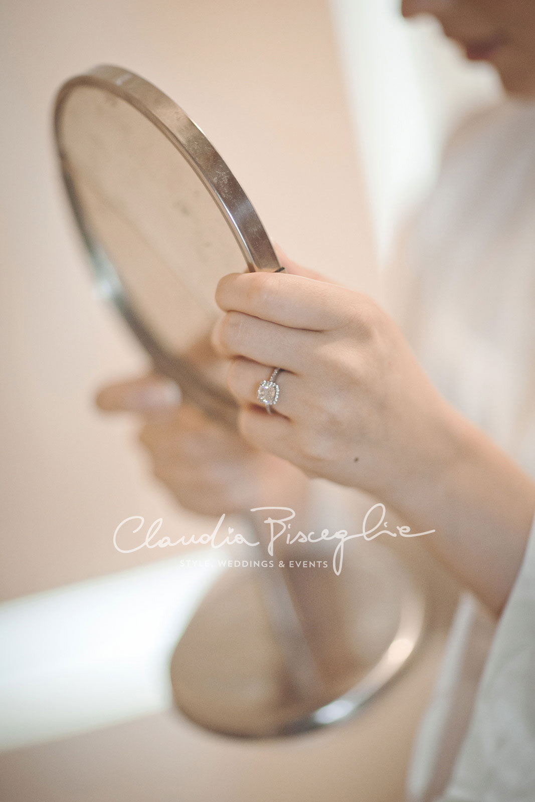 2Mirror-details-italianwedding-bride-elegance-white-ing-diamond-style