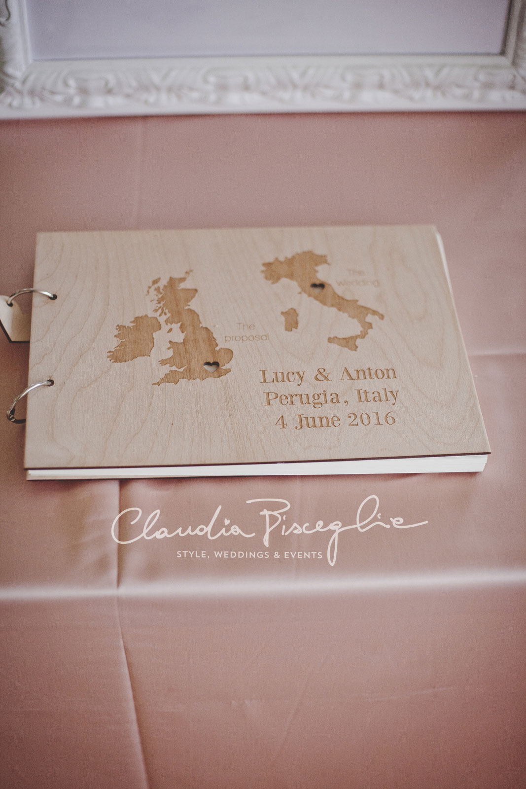 30-Guest-book-pink