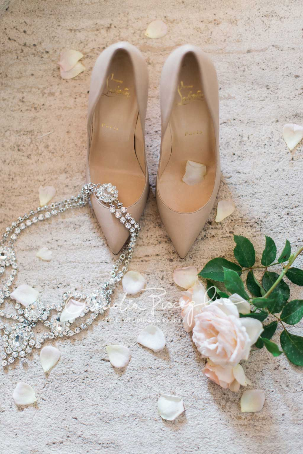 B-Shoes-roses-elegance-wedding-ClaudiaBisceglie-weddingplanner