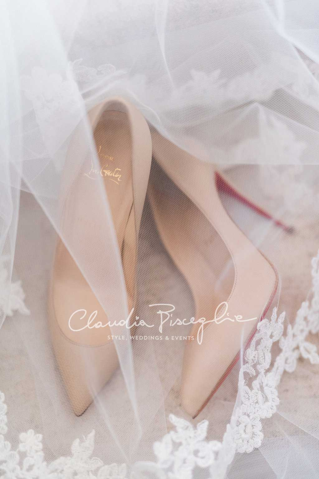 C-shoes-bridalveil-wedding-romantic-claudiaBisceglie-weddingplanner