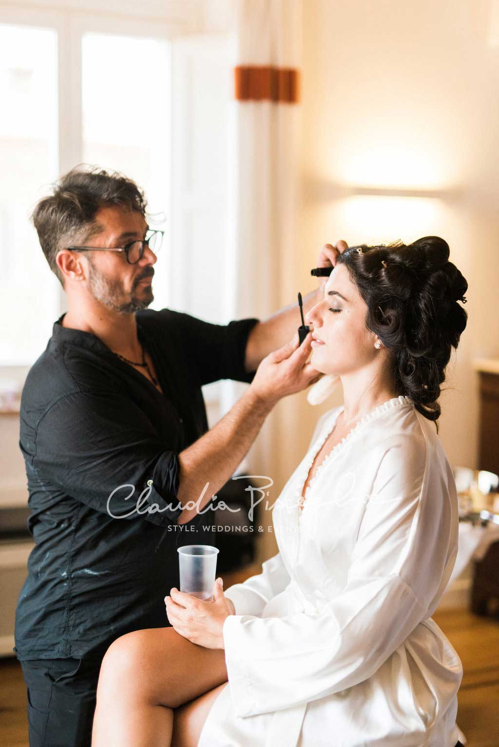 -Makeup-naturalmakeup-gettingprepared-bridepreparation-ceremony-wedding-elegance-moment