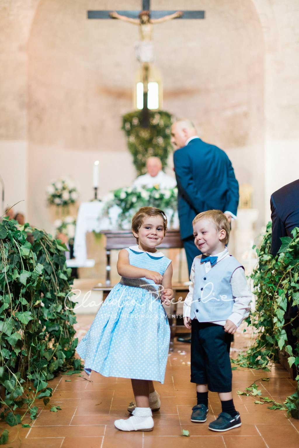 -Kids-Playing-church-wedding