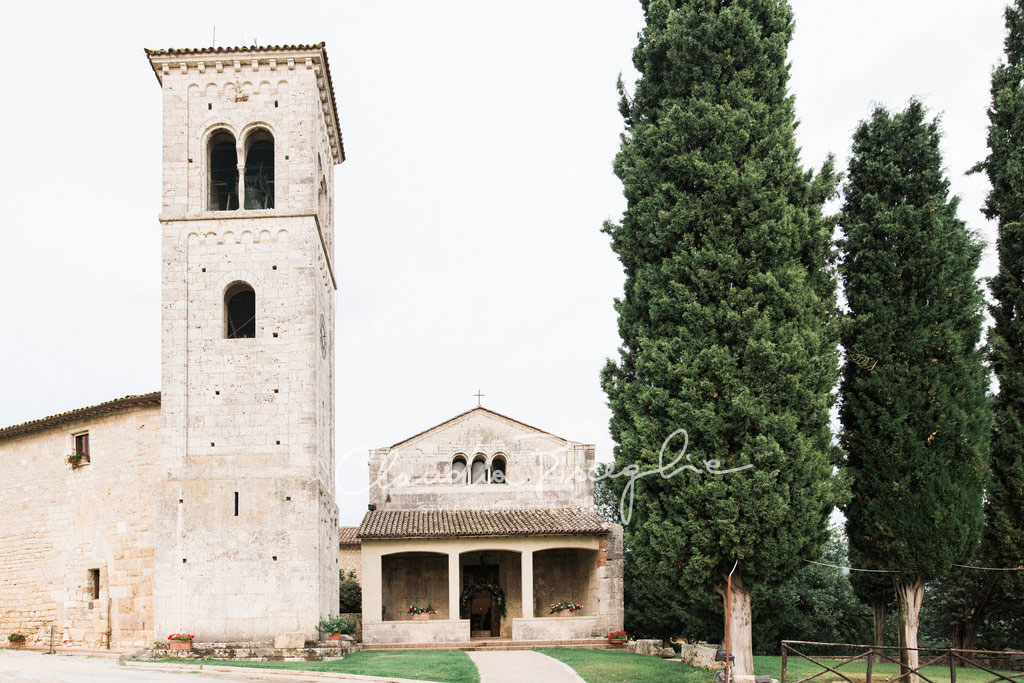 -Church-outside-overview-pines