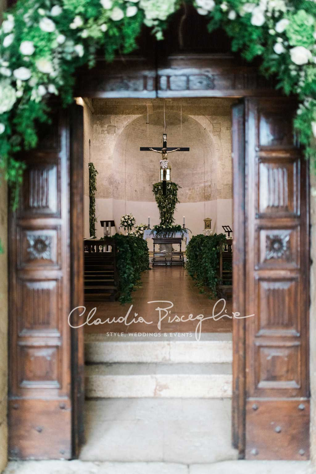 -Churh-entrance-wreath-flowers