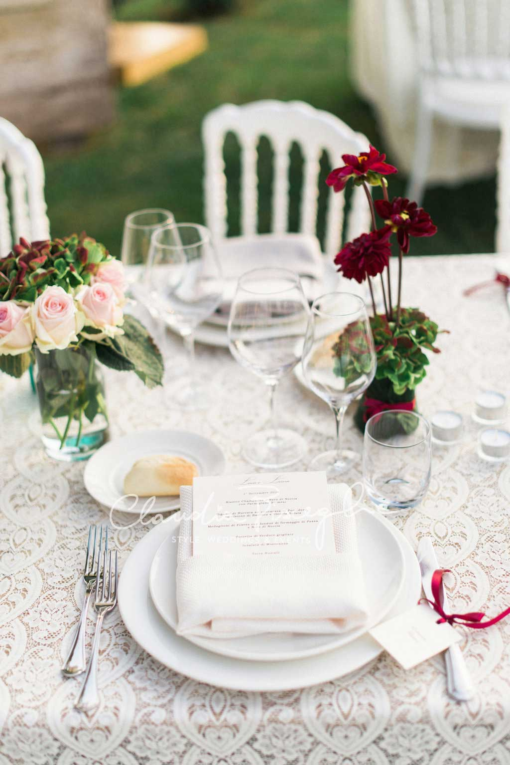 -Napkin-Menu-Table-setting-details-flowers